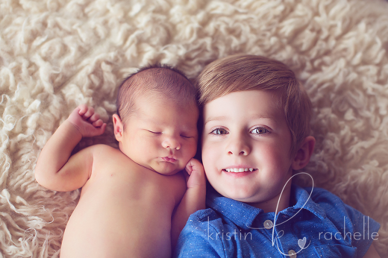 sibling-newborn-photos